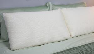 solid pincore Talalay latex pillows